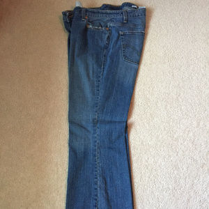 Levi's 515 Bootcut Jeans - Medium Wash - Size 18